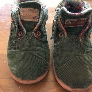TOMS/Boy's /Size 8 Corduroy/Green Shoes